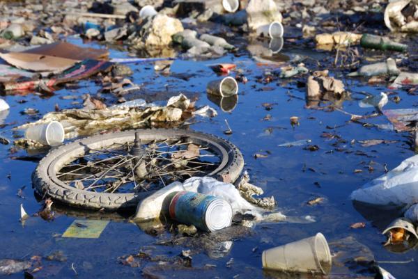 μόλυνση του νερού