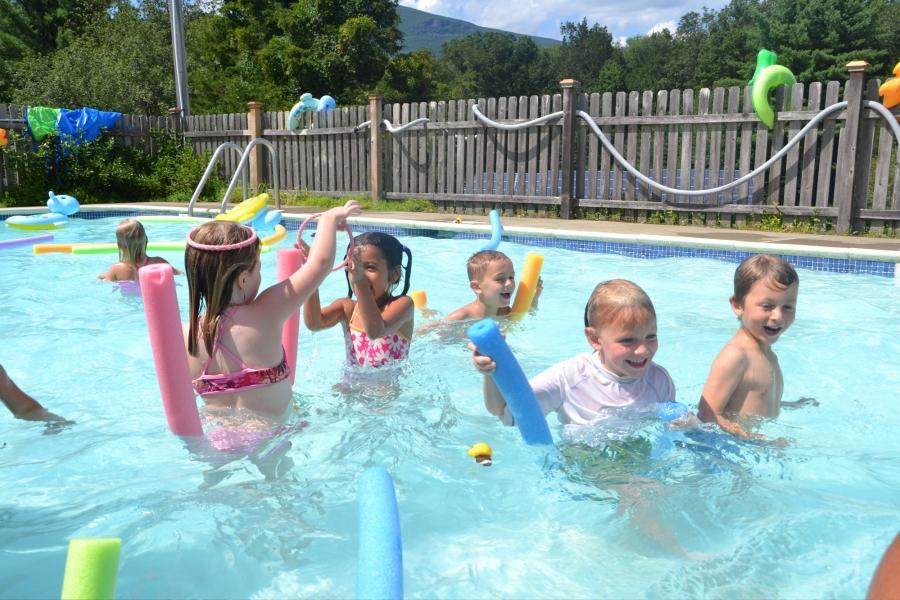 μοιραστείτε την πισίνα σας