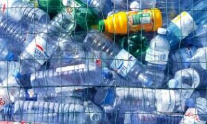 εμφιαλωμένα μπουκάλια νερό