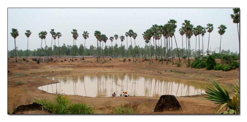 λίμνες στο χωριό στη Βεγγάλη